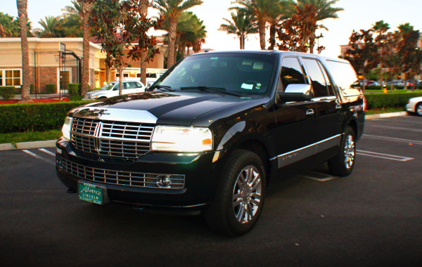 Luxury Lincoln SUV Limo