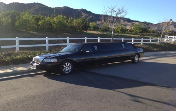 Executive Town Car Stretch Limo